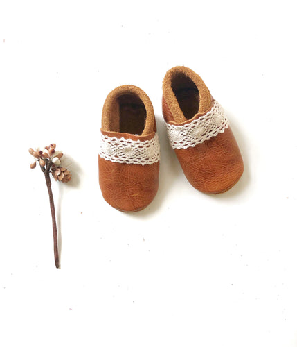 Thea Moccasins with Lace - LUXE + RO