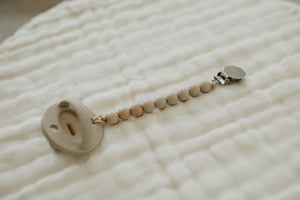 The Luxie Pacifier Clip | Oat - LUXE + RO