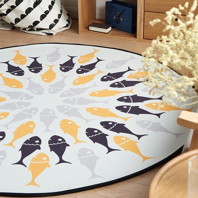 Black and white Fish Round Rug