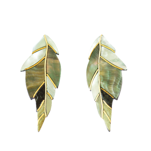 AJEI FEATHER STUD EARRINGS