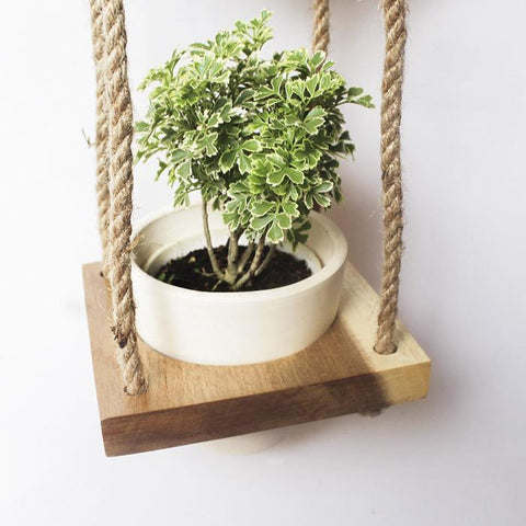 Wooden vertical plant hanger with 4 pots