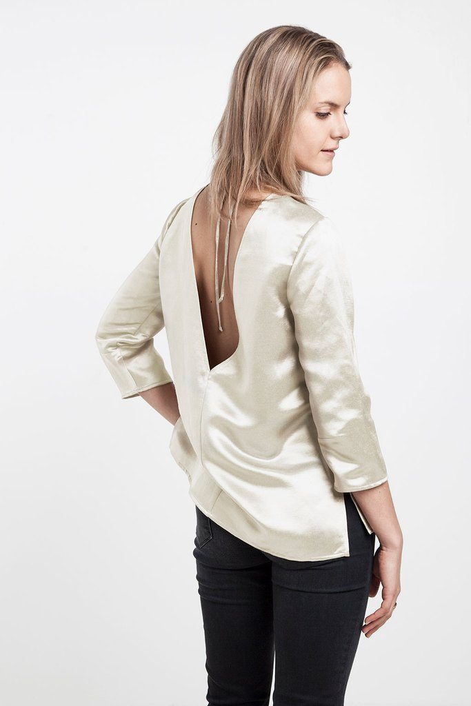 Sustainable Finds: EENVOUD- The Seduction of the V-Back