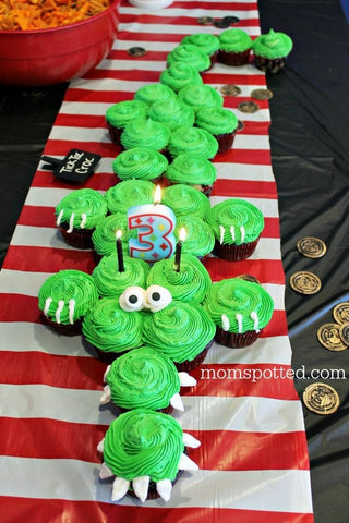 How-to-host-a-pirate-party-crocodile-cupcake-cake-by-baking-time-club