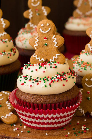 gingerbread-man-christmas-cupcakes-by-baking-time-club