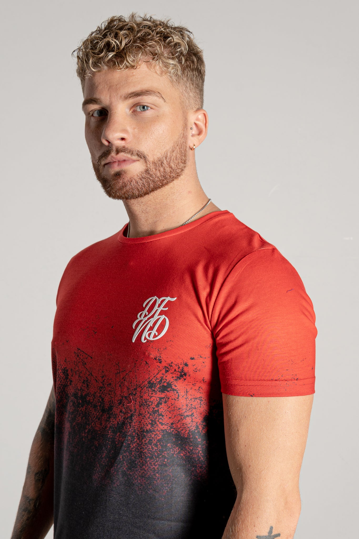 Men's Grit Fade T-Shirt in Red
