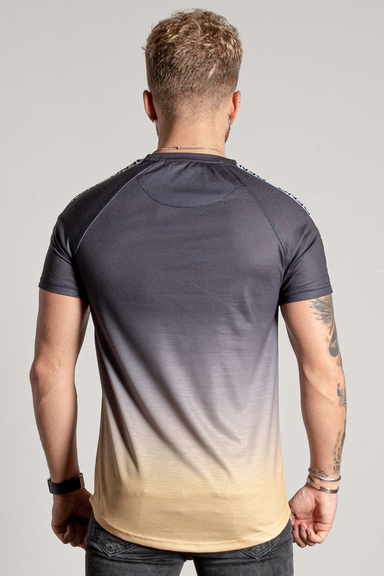 Men's Reygarn T-Shirt in Mustard
