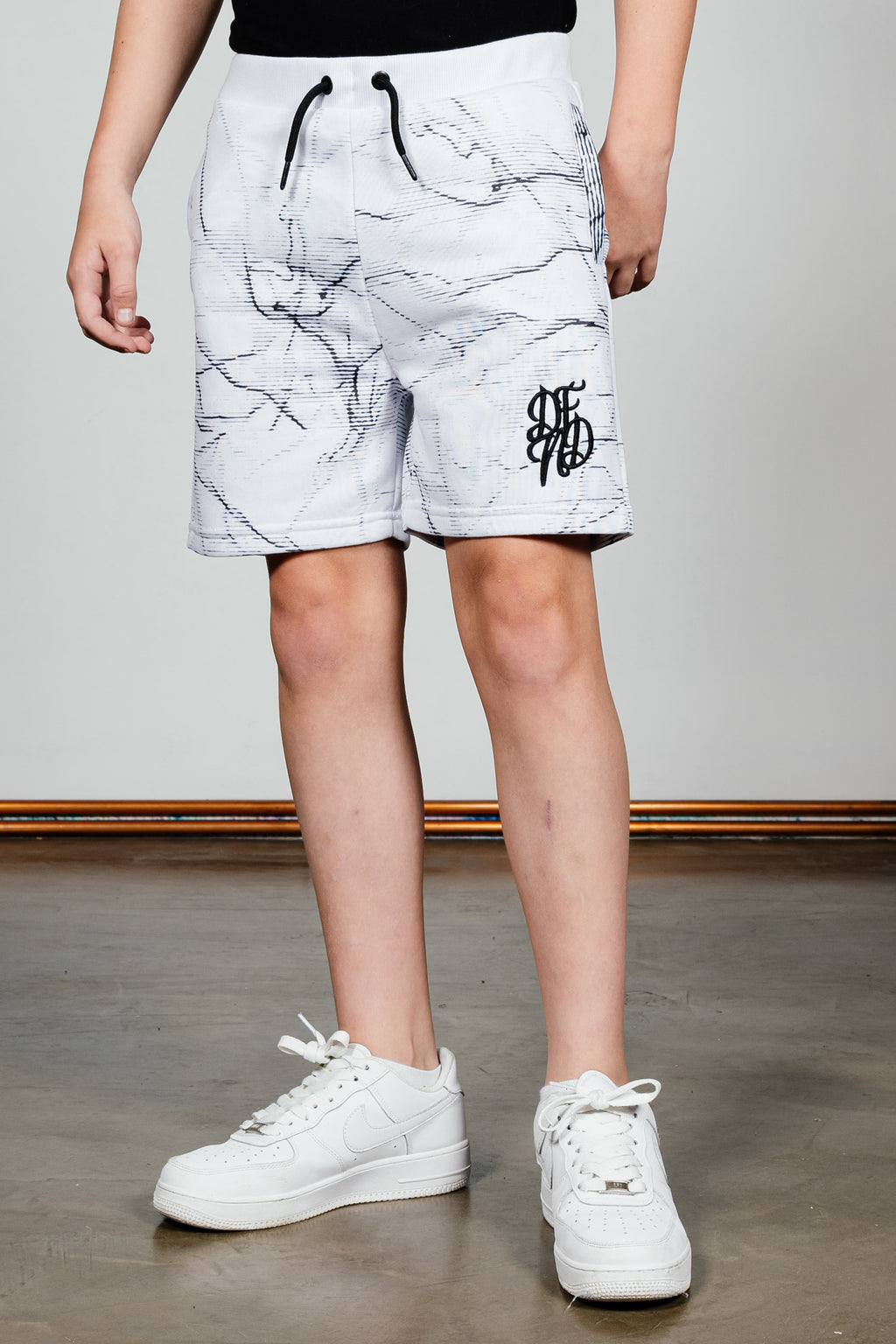 Boy's Zilch Shorts in White - DEFEND LONDON