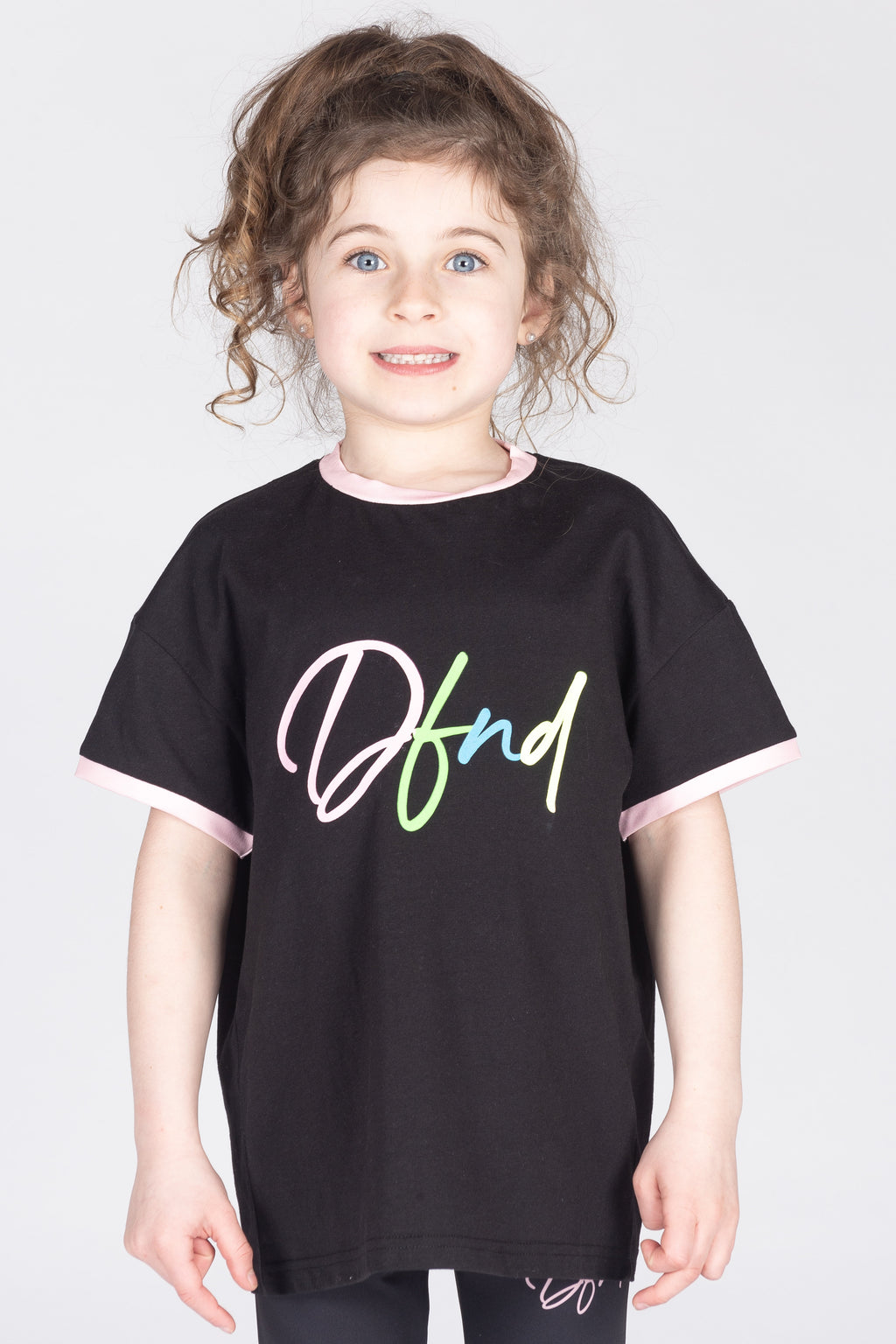 Girl's Eccles T-Shirt in Black - DEFEND LONDON