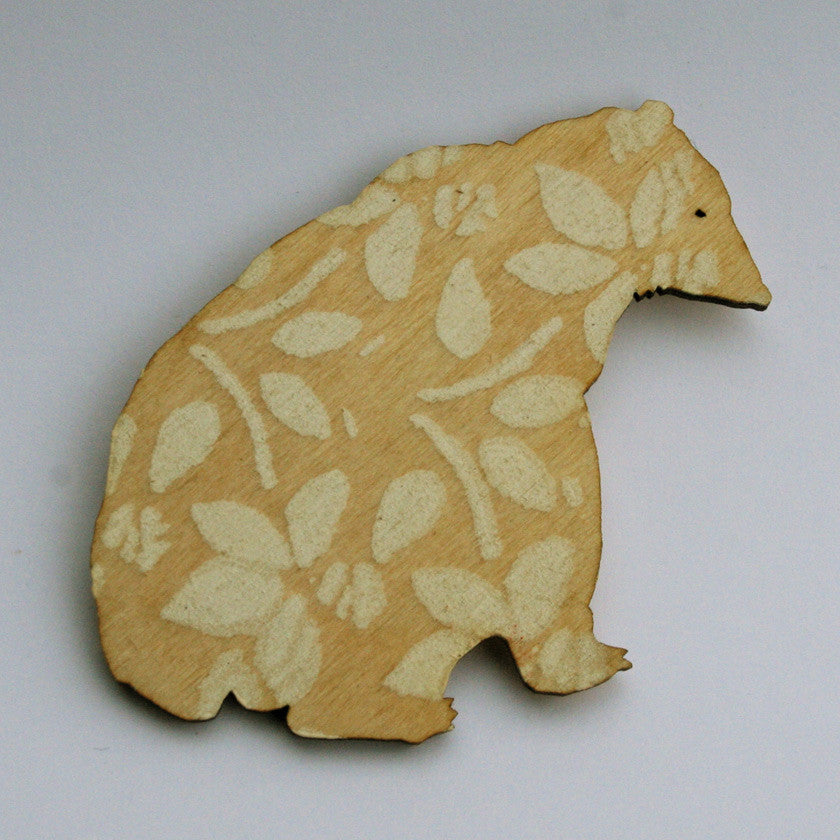 Hand printed wooden brooches (5 models / colours)Helen Minns- Cachette