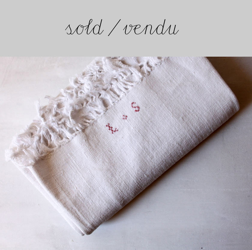 Linen tea towel with fringed edges (SOLD)Vintage- Cachette