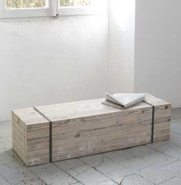 Wooden chest - bench 31 x 110 x 31 cmKatrin Arens- Cachette