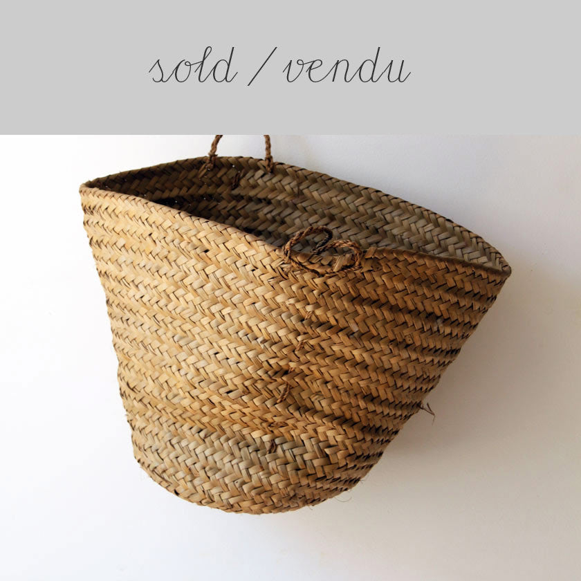 basket with small handles (SOLD)Vintage- Cachette