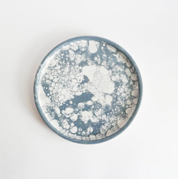 "20.5cm handmade ""bubble"" plate in glazed terracotta"