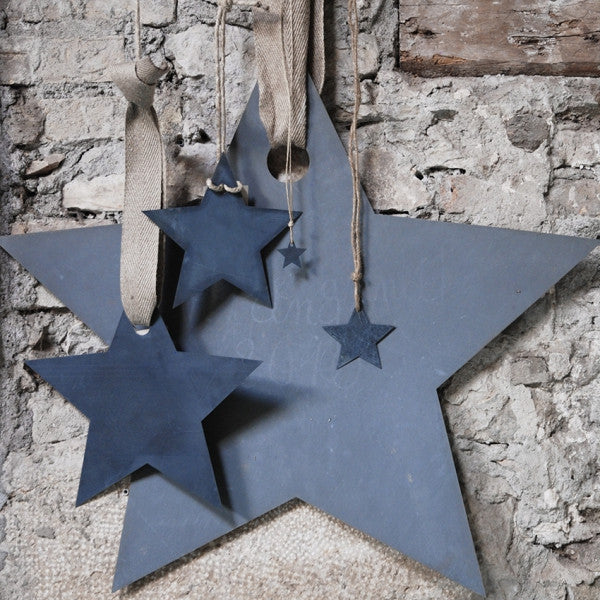 hanging zinc stars (different sizes)Un esprit en plus- Cachette