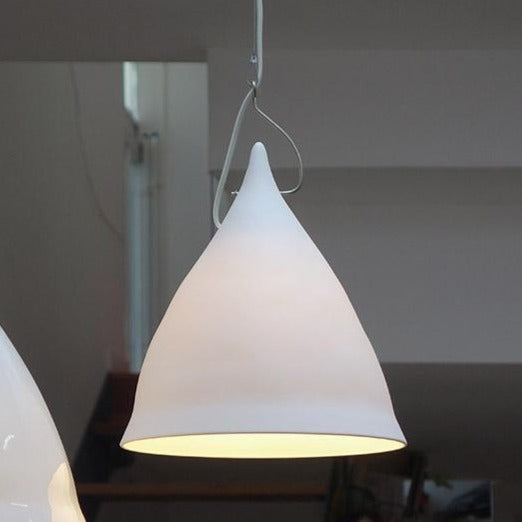 Cornet suspension light in matt porcelain