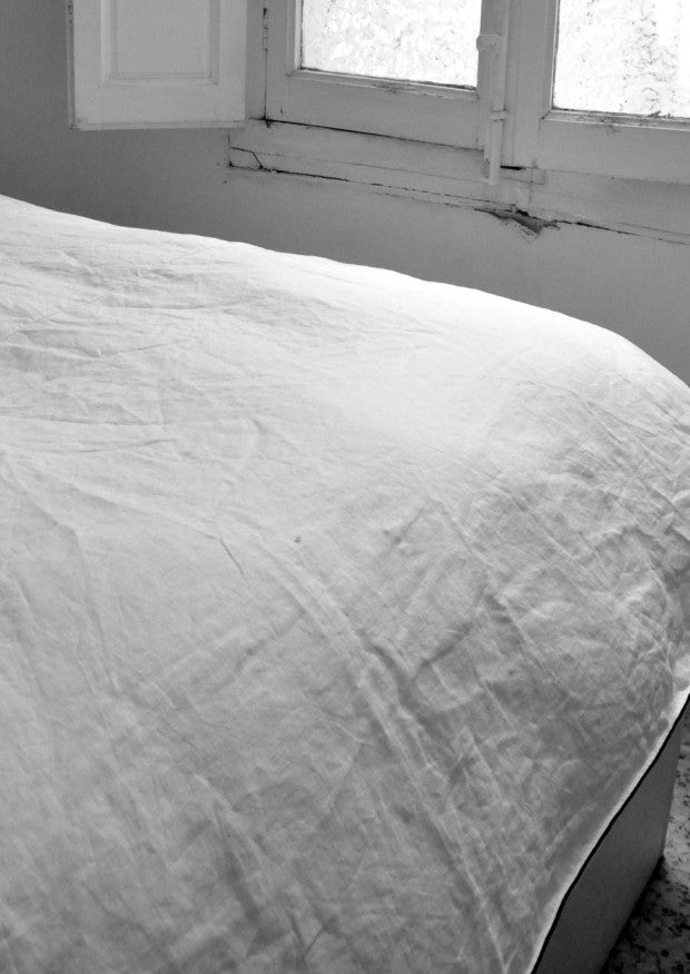 Duvet cover in pure white linen (single or double)