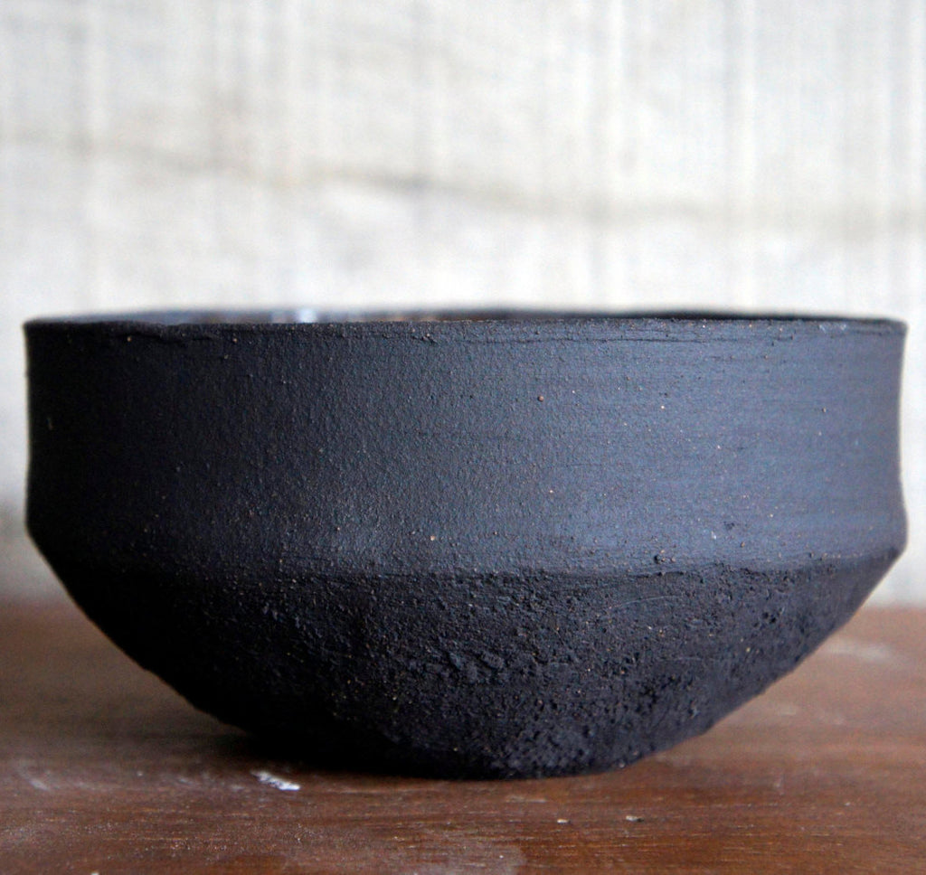 Black stoneware dish 15cm (only 1 available)Minimal Ceramic- Cachette