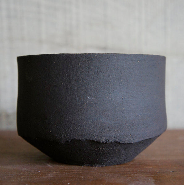 Black stoneware dish 12.5cm (only 1 available)Minimal Ceramic- Cachette
