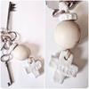 Keys holder with big wooden bead