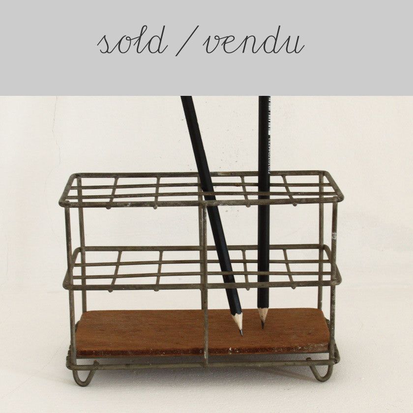 metal holder - desk tidy (SOLD)Vintage- Cachette
