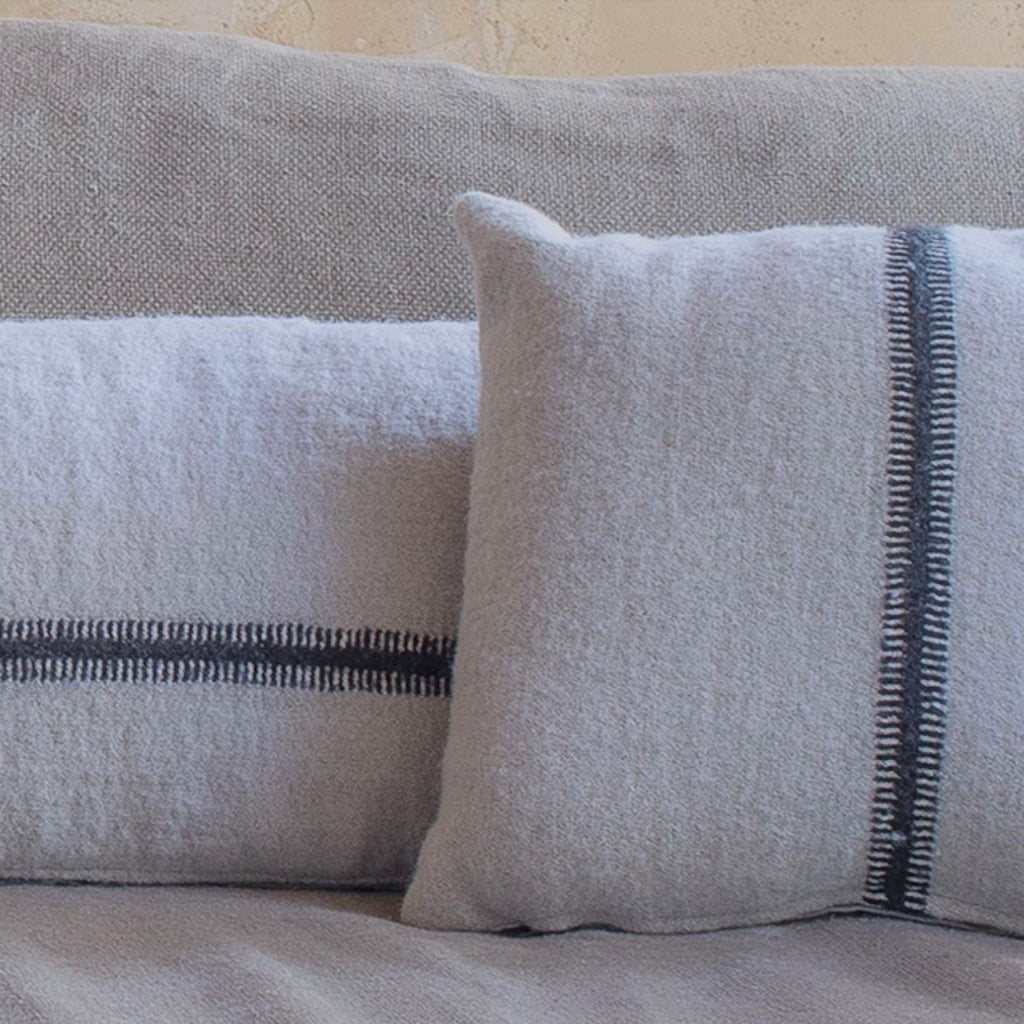 Linen and wool cushion (4 sizes)