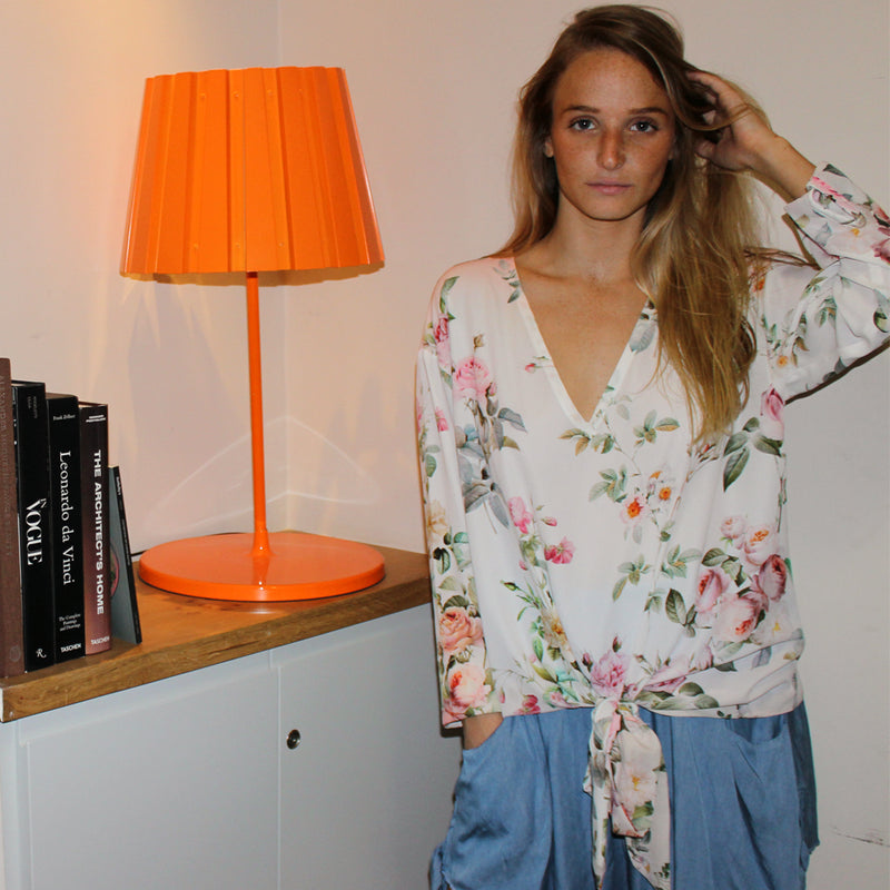 Roses Woodstock blouse - חולצת וודסטוק, שושנים