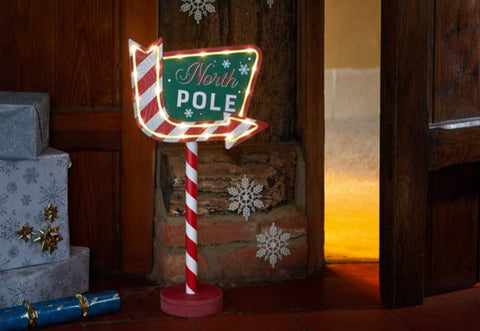 Christmas Sign North Pole This Way! Sparkling Illuminated LEDS Xmas Sign