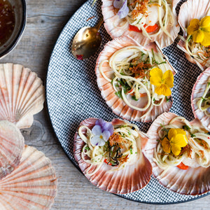 Grilled scallop with mango salad