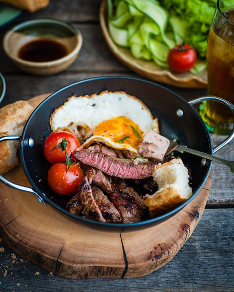 Sizzle steak and egg