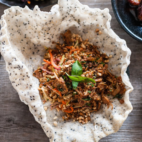 Pulled Jackfruit salad w rice cracker (Vegan, GF)