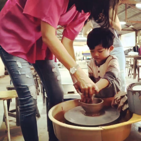 mother's day, center pottery, pottery, clay, centre potter, activities, workshop, atelier, mental health, mental therapy, art therapy, art, fun, creative