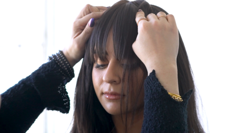 How to use clip-in bangs?