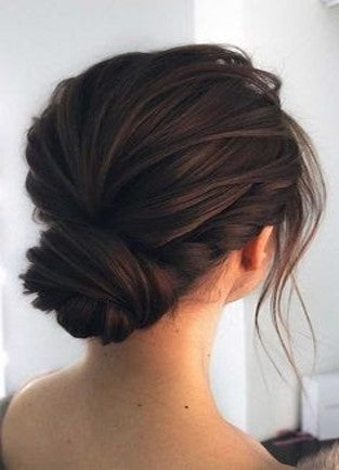 Chignon with twisted sides for your date night