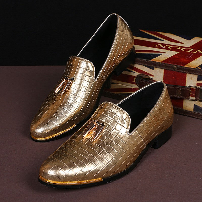 Gold fashion dress shoe