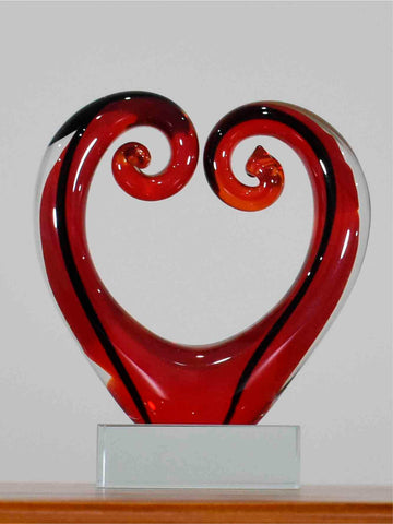 Koru Heart Red Black 11 cm