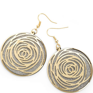 Shiny silver and gold colour round earring