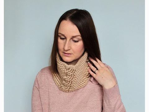 Cable Cowl Crochet Kit and Pattern