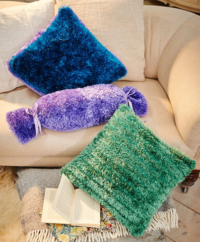 Cushion Covers in Stylecraft Eskimo DK and Special DK (9228)