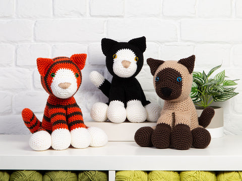 Amigurumi Dera-Cats by Heather C. Gibbs in Deramores Studio DK