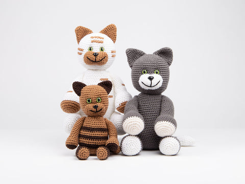 Crochet Dera-Cats Family by Lynne Rowe in Deramores Studio DK