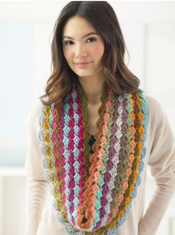 Tilted Blocks Cowl Crochet Kit and Pattern in Lion Brand Yarn (L60075B)