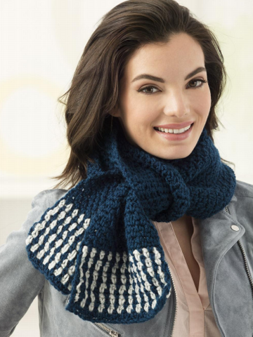 Lion Brand® Vanna's Choice® Two Color Scarf (Crochet) (L60408)