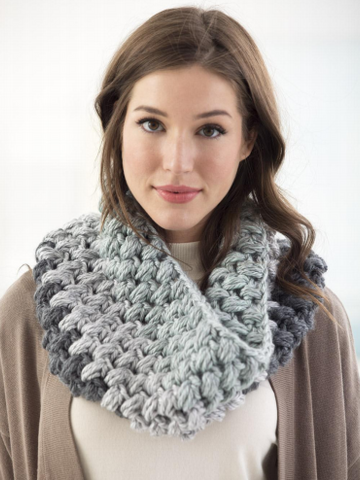 Super Chunky Cowl Crochet Kit and Pattern in Lion Brand Yarn (L70062)