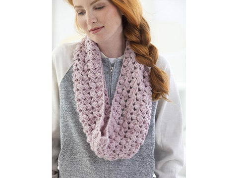 Saugerties Cowl Crochet Kit and Pattern in Lion Brand Yarn (L70202)