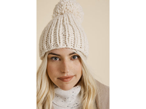Snowball Hat in Lion Brand Wool-Ease Thick & Quick (L70295)
