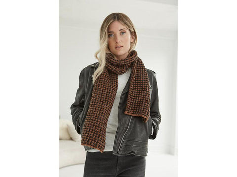 Cedar Falls Scarf in Lion Brand Feels Like Butta (L70312)