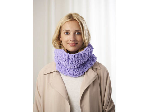 Colette Cowl Crochet Kit and Pattern in Lion Brand Yarn (L80114)