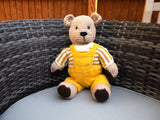 Teddy Bear on Holiday Knitting Kit and Pattern in Deramores Yarn