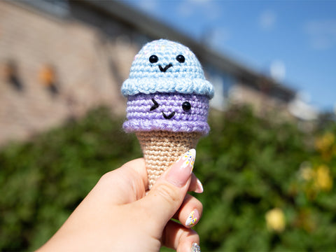 Scoops 'n' Smiles Ice Creams Crochet Kit and Pattern in Deramores Yarn