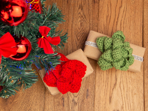 Christmas Present Bows Crochet Kit and Pattern in Deramores Yarn